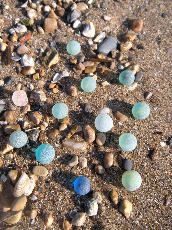 lake michigan beach glass-marbles, beach, sea glass, mexico, frosted, blue, green, sand, tumbled by the sea, art, collection, coastal, coastal decor, nautical, decor. beach walking, beach combing, Great Lakes, Michigan, Wisconsin, Sturgeon Bay, Florida, Florida Keys, travel, surf, sun, fun
