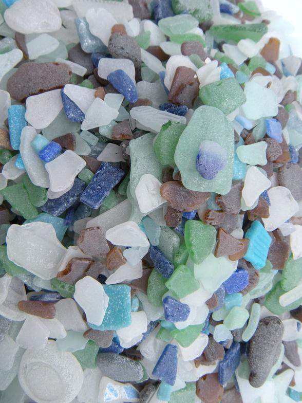 lake michigan beach glass-mexico, beach glass, sea glass, tile, pottery, beach, treasures, sand , water, collection, art, coastal, colors, blue, white, green, brown, aqua, glass, tile, glass tile, frosted, sand tumbles, tropical, coastal decor, nautical decor,Great Lakes, Sturgeon Bay, Wisconsin, Michigsn, Florida, Florida Bay, Florida Keys, Key Largo, Mexico, beach walking, beachcombing,boating, water, travel, surf, sun, fun