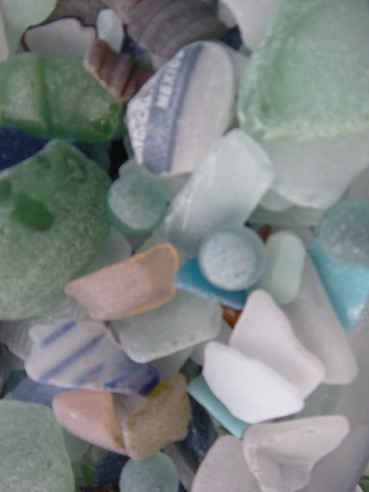beach, sea, sand, water, glass, beach glass, sea glass, frosted, tumbled, coastal, coastal decor, nautical decor, tropical, art, collector, collections, beachcombing, beach walking, Sturgeon Bay, Wisconsin, Lake Michigan, Michigan, Florida, Florida Bay, Key Largo, Tavernier, Mexico, travel, surf, fun, sun