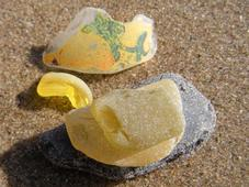 lake michigan beach glass, yellow, sea glass, beach, brown, pacific ocean, bottle top, beach, beaches, sand, water, glass, sea glass, beach glass, tropical, coastal, coastal decor, nautical decor, art, collection, beach walking, beachcombing, Sturgeon Bay, Wisconsin, Lake Michigan, Michigan, Great Lakes, Florida, Florida Bay, Florida Keys, Key Largo, Tavernier, Mexico, travel, boating, surf, sun, fun, white, blue, green, brown, aqua, colors, frosted, sand tumbled